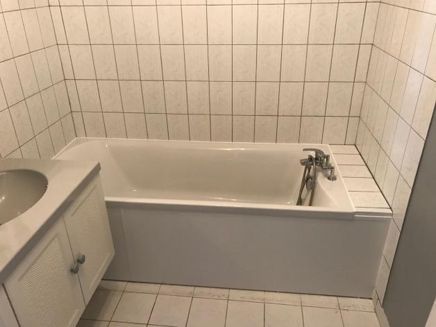 Dégât des eaux avec remplacement de baignoire à Amiens 80000